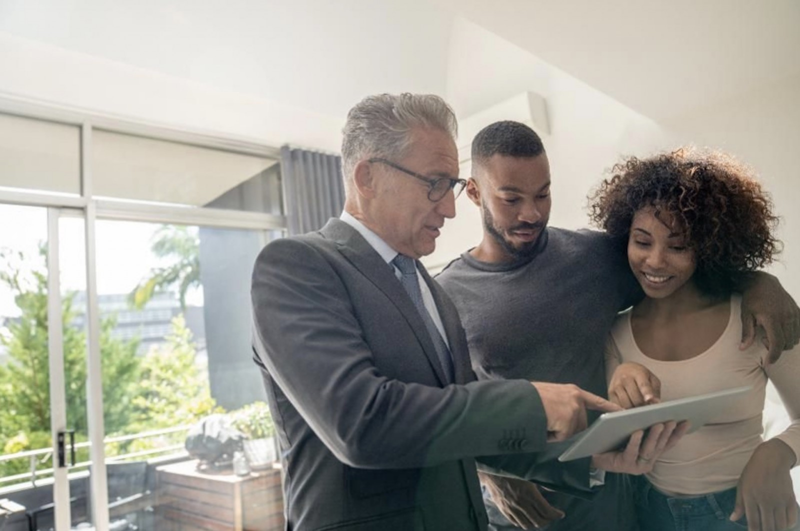 How Virtual Reality And Smart Lock Technology Will Shape The Future Of Home Showings